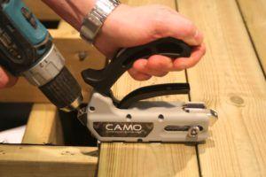 Camo-skruing-b-n